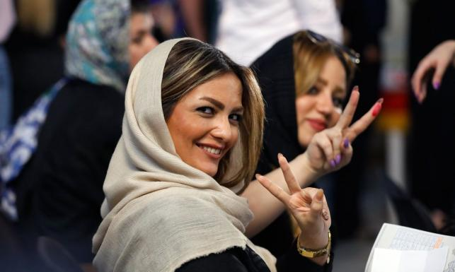 Piękne Iranki wybierały swojego prezydenta. Zobacz ZDJĘCIA