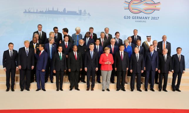 Putin wpatrzony w oczy Melanii Trump, zamieszki na ulicach. Najlepsze ZDJĘCIA ze szczytu G20 w Hamburgu