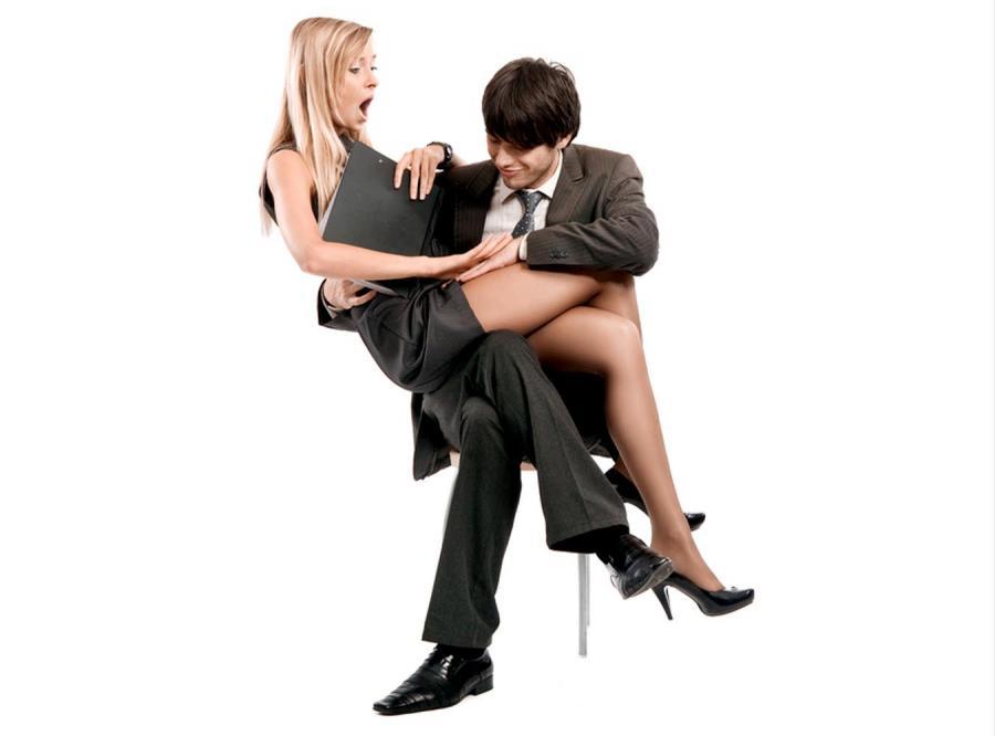 Czy awansują tylko kochanki szefa?