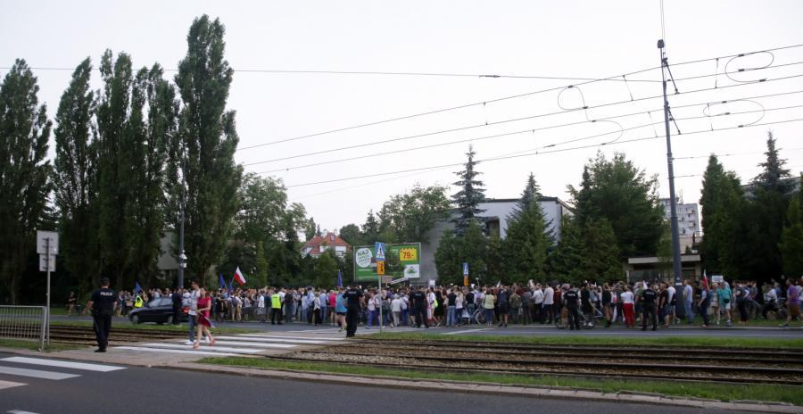 protest pod domem prezesa PiS