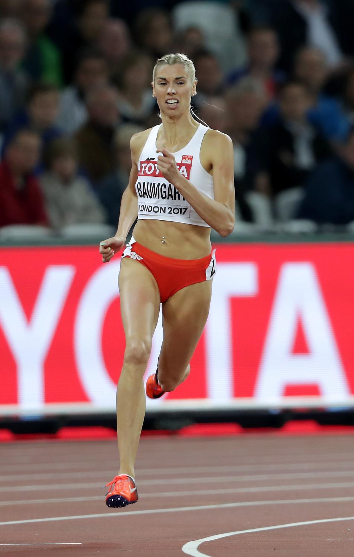 Iga Baumgart w półfinałowym biegu na 400 m