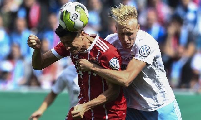 Puchar Niemiec: Dwa gole Lewandowskiego, trzy Aubameyanga