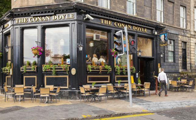 Pub w domu urodzin Arthura Conan Doyla