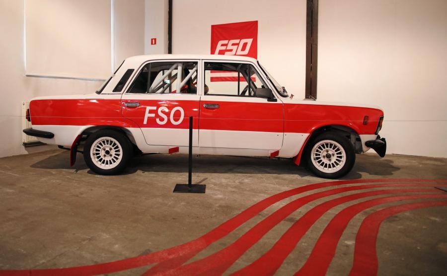"""Fiat 125p - wystawa """"P jak paradoks"""""""