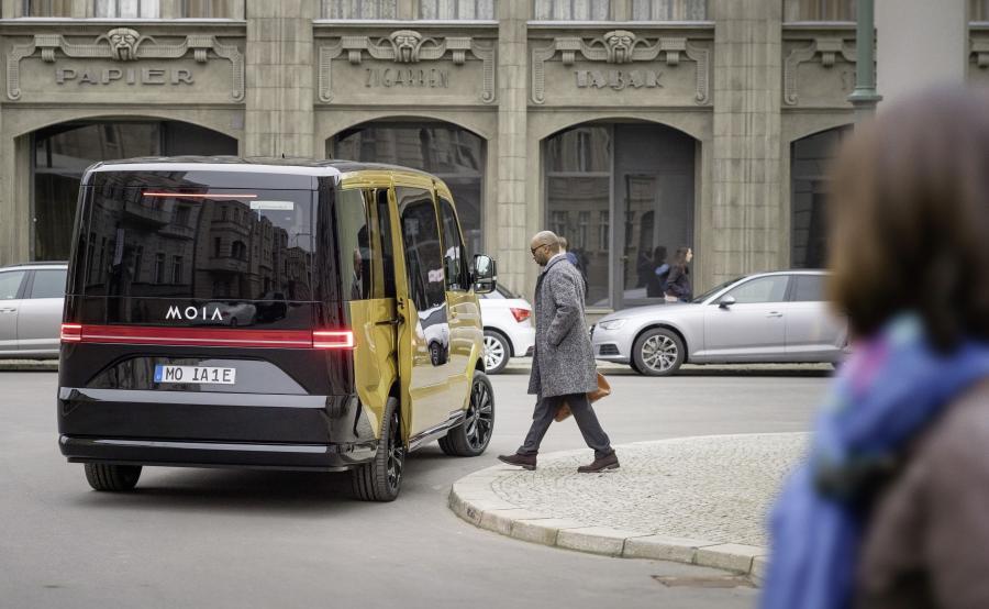 Milion samochodów zniknie z dróg? Nowa oferta MOIA ma ograniczyć liczbę aut na ulicach miast i będzie dostępna od 2018 roku w Hamburgu