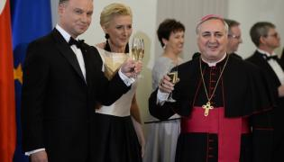 Andrzej Duda, Agata Kornhauser-Duda i nuncjusz apostolski w Polsce Salvatore Pennacchio