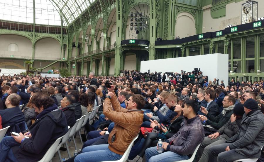 Dziennikarze zgromadzeni w Grand Palais