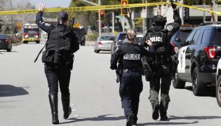 Policja przed siedzibą YouTube