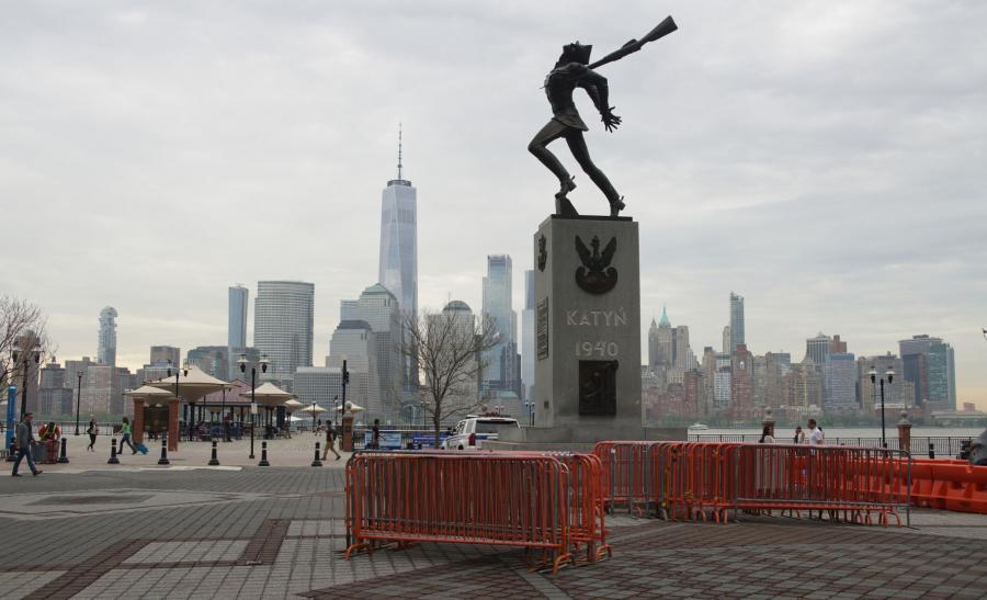 Pomnik Katyński w Jersey City