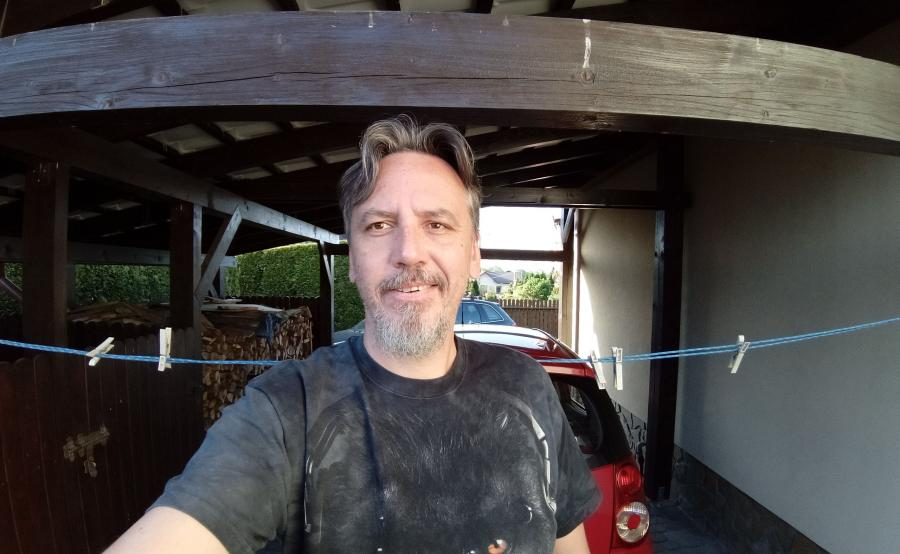 Alcatel 5 - selfie - aparat szerokokątny