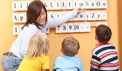 Resort edukacji oszczędza na dzieciach i brakuje pieniędzy na angielski