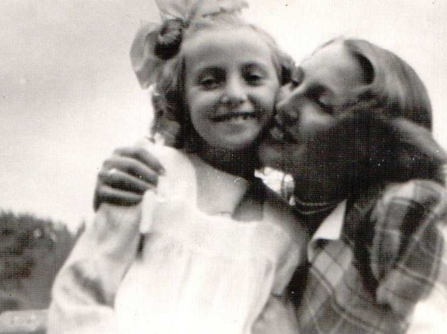 Z mamą w parku we Włocławku