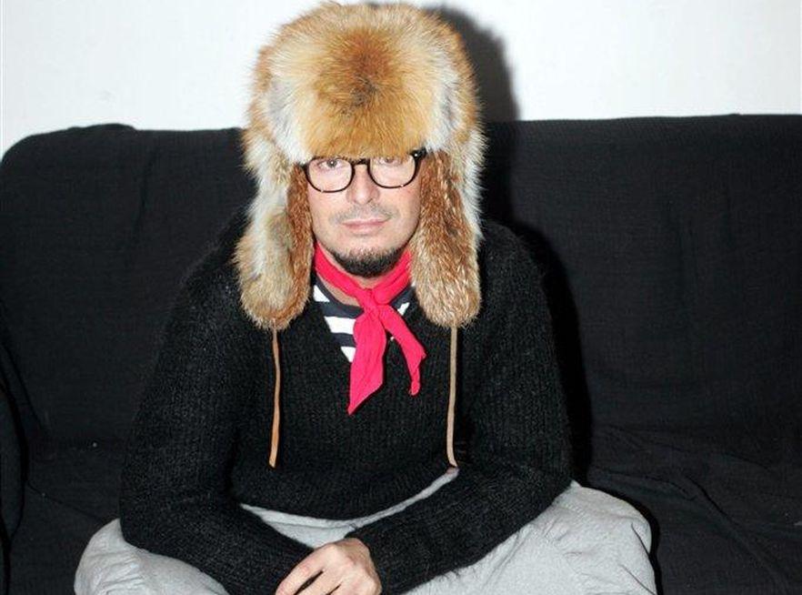 Tomasz Jacyków lubi nosić naturalne futro