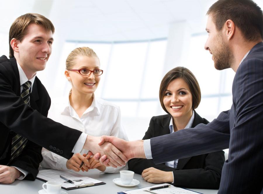 Z badań wynika, że kobietom trudniej jest awansować w miejscu pracy