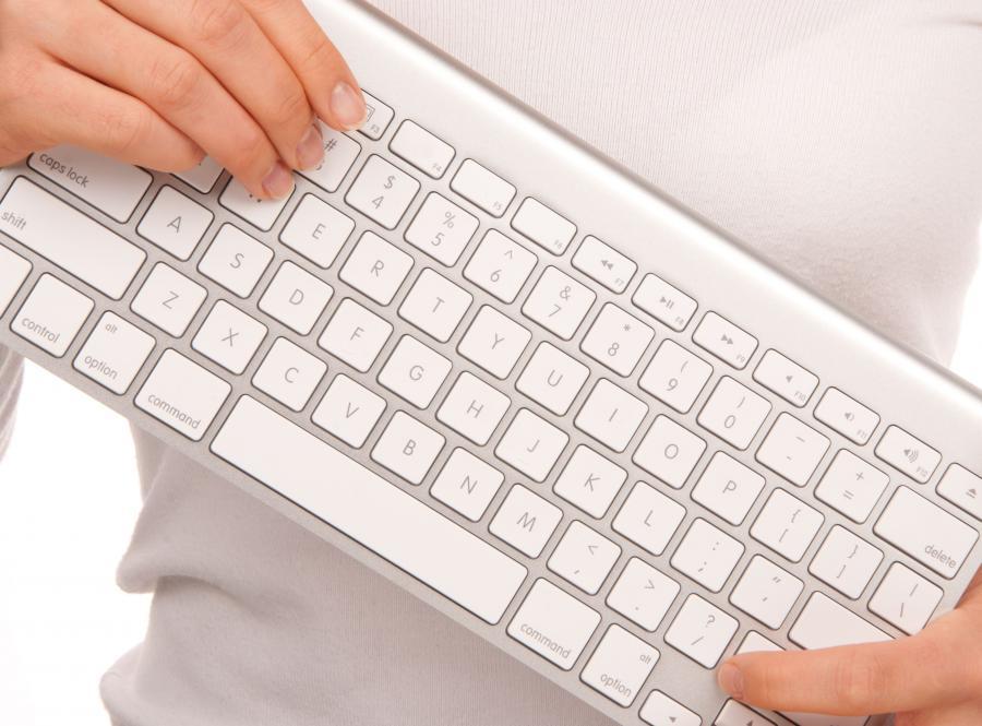 Jak chronić dane internautów? Powstał specjalny poradnik
