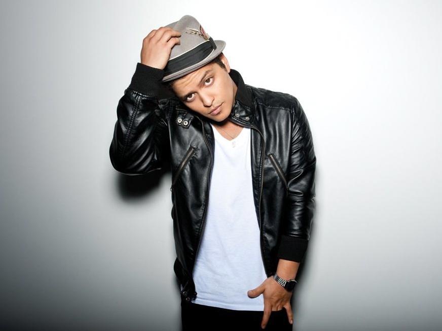 Bruno Mars pracuje ze złym Eminemem