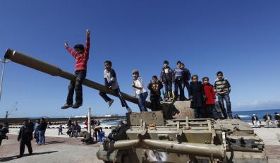 NATO nie chce interweniować w Libii, ale na wszelki wypadek jest w gotowości