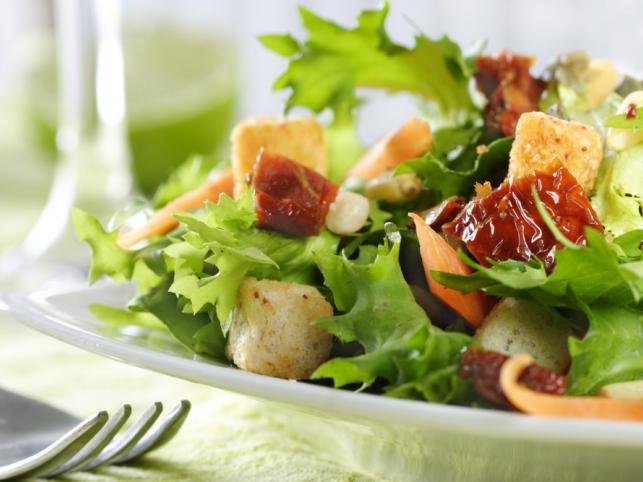 Jak przygotować zdrową sałatkę? - o tym pamiętaj