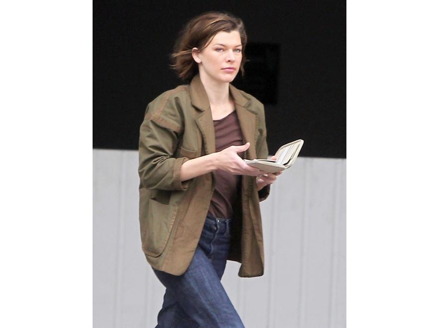 Czy Milla Jovovich bez makijażu też jest piękna?