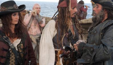 """Jerry Bruckheimer rusza w 2015 z """"Piratami z Karaibów"""""""