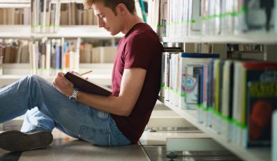 Ubywa studentów, uczelnie mają problemy