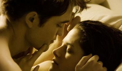 Bella i Edward oddają się namiętności