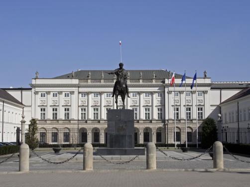 Duda: Pomnik smoleński powinien stanąć na Krakowskim Przedmieściu