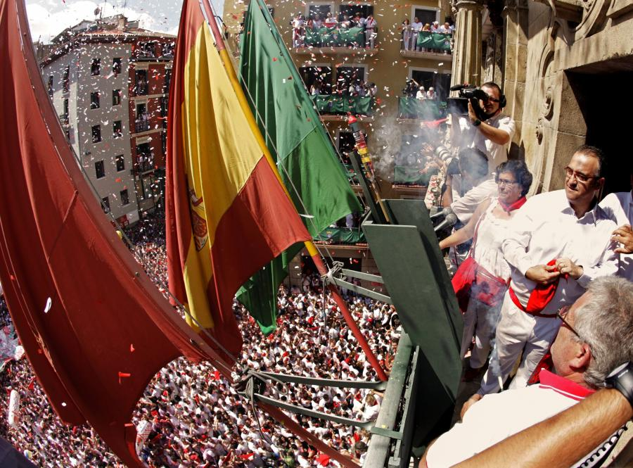 Burmistrz hiszpańskiej Pampeluny odpala \