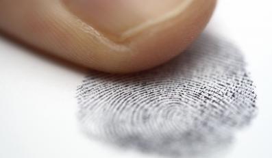 Wystarczy odcisk palca, aby sprawdzić, czy dana osoba jest pod wpływem narkotyków