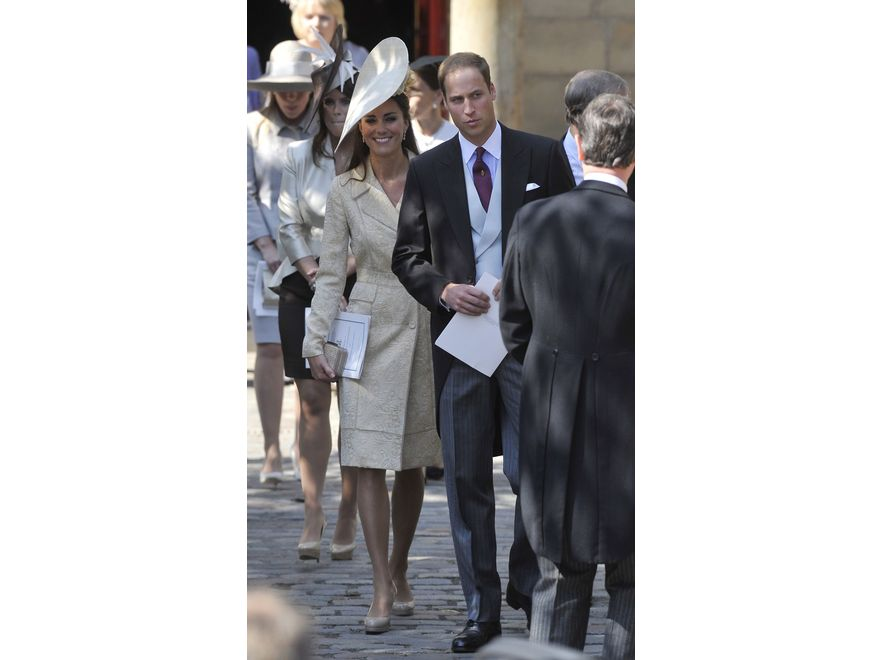 Księżna Catherine i książę William na ślubie Zary Phillips, wnuczki królowej Elżbiety II