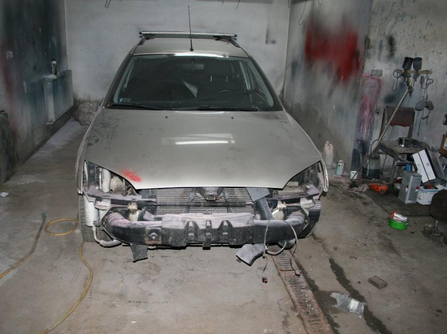 Policja odzyskali forda, który kilka miesięcy temu został pozostawiony do naprawy w jednym z otwockich warsztatów