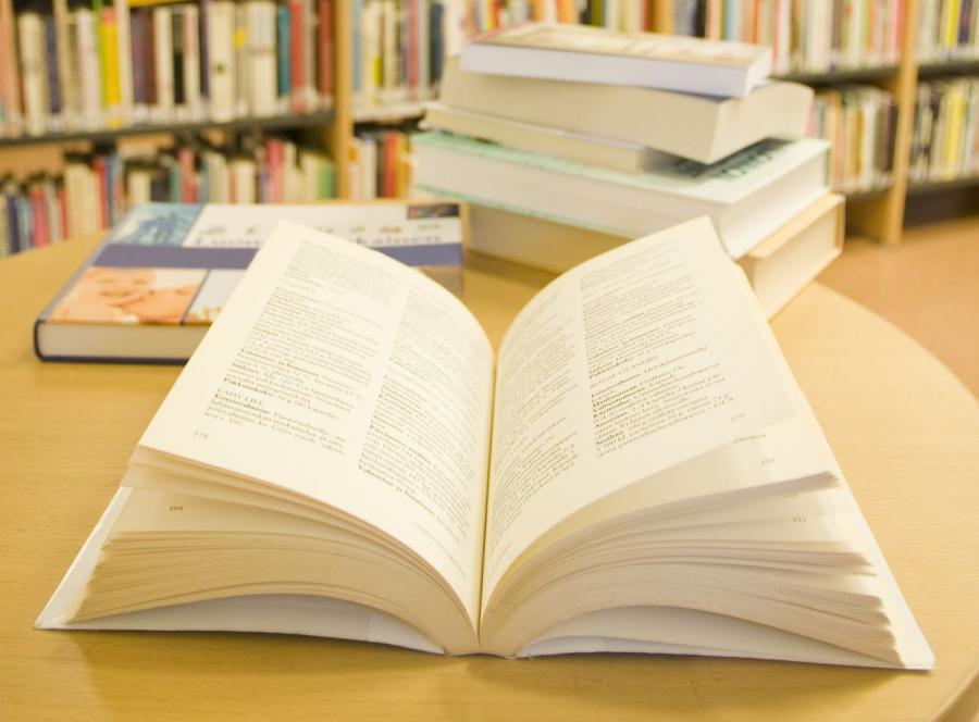Każą płacić za korzystanie z biblioteki?