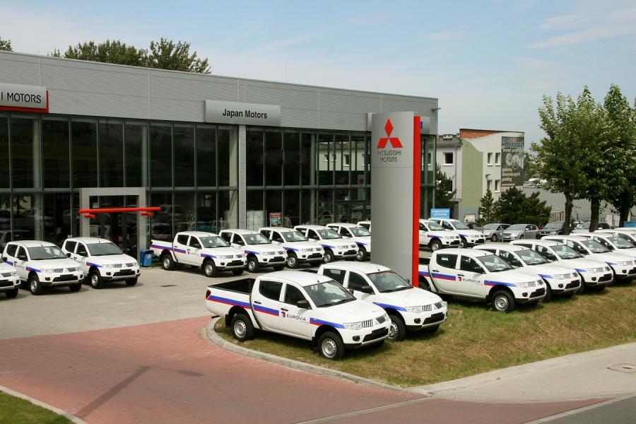 Spółka Eurovia Polska odebrała 30 nowych pikapów L200