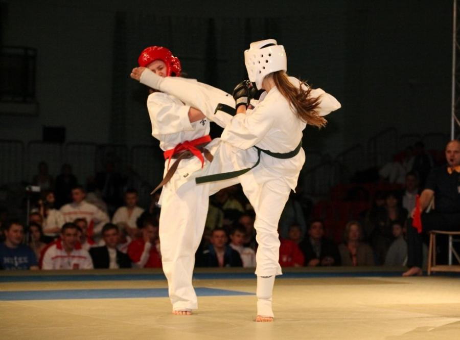 Cztery złote medale juniorów na ME Karate