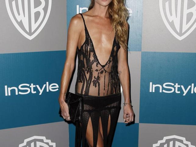 Modelka Erin Wasson na after party po rozdaniu Złotych Globów podwójnie zaszokowała kreacją…