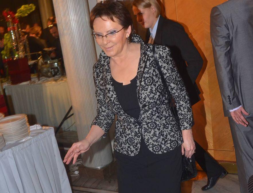Kopacz: Z budżetu Kancelarii Sejmu pieniądze dla klubów na prawników