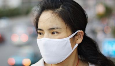Większość przypadków zarażeń ptasią grypą nastąpiła w wyniku kontaktu z martwym drobiem