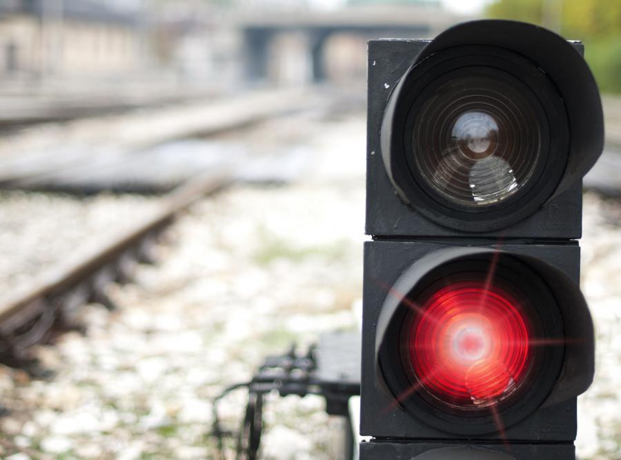 Semafor kolejowy - zdjęcie ilustracyjne