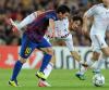 Lionel Messi i Alexandre Pato walczą o piłkę w meczu FC Barcelona - AC Milan z 13.09.2011