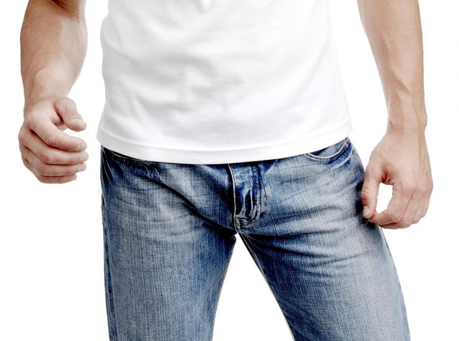 mężczyzna dżinsy spodnie