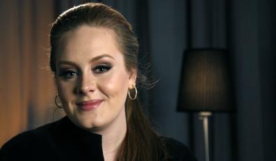 Adele krytykuje goliznę
