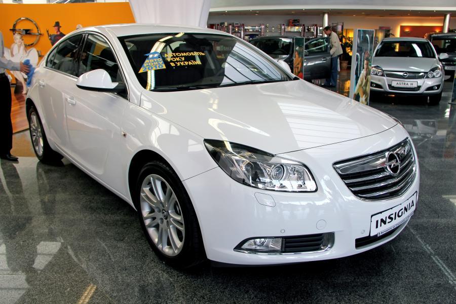Opel insignia na pokazie w Kijowie