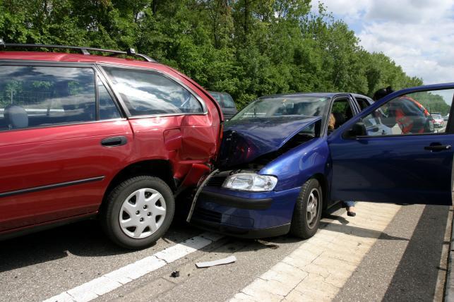 Jak taniej ubezpieczyć samochód?