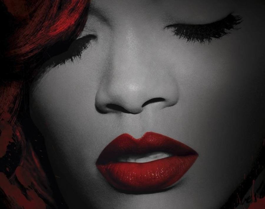 Rihanna prezentuje \