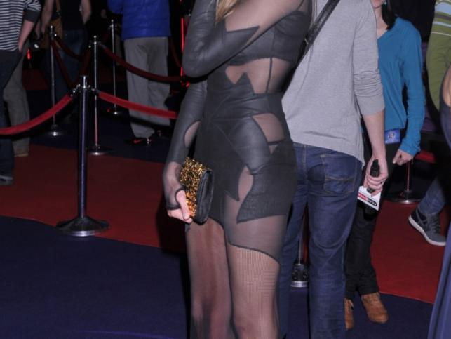 Prześwitujaca suknia Aleksandry Żebrowskiej