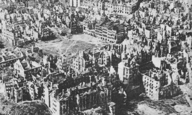 Najbardziej zniszczone miasta II wojny światowej. ZDJĘCIA