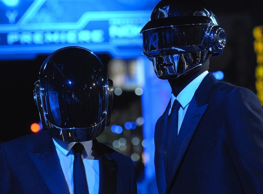 Daft Punk pozostał na szczycie UK Charts