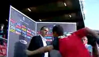 Piłkarz i trener chcieli bić się przed kamerą