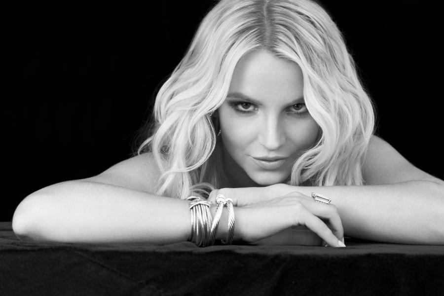 Britney Spears przedstawia \