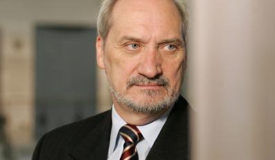 Macierewicz: Nigdy nie zasłaniałem się prezydentem
